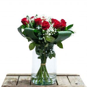 boeket met rode en witte bloemen